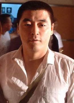 怎么看怎么都觉得,赵本山儿子好像更像魏三呢??