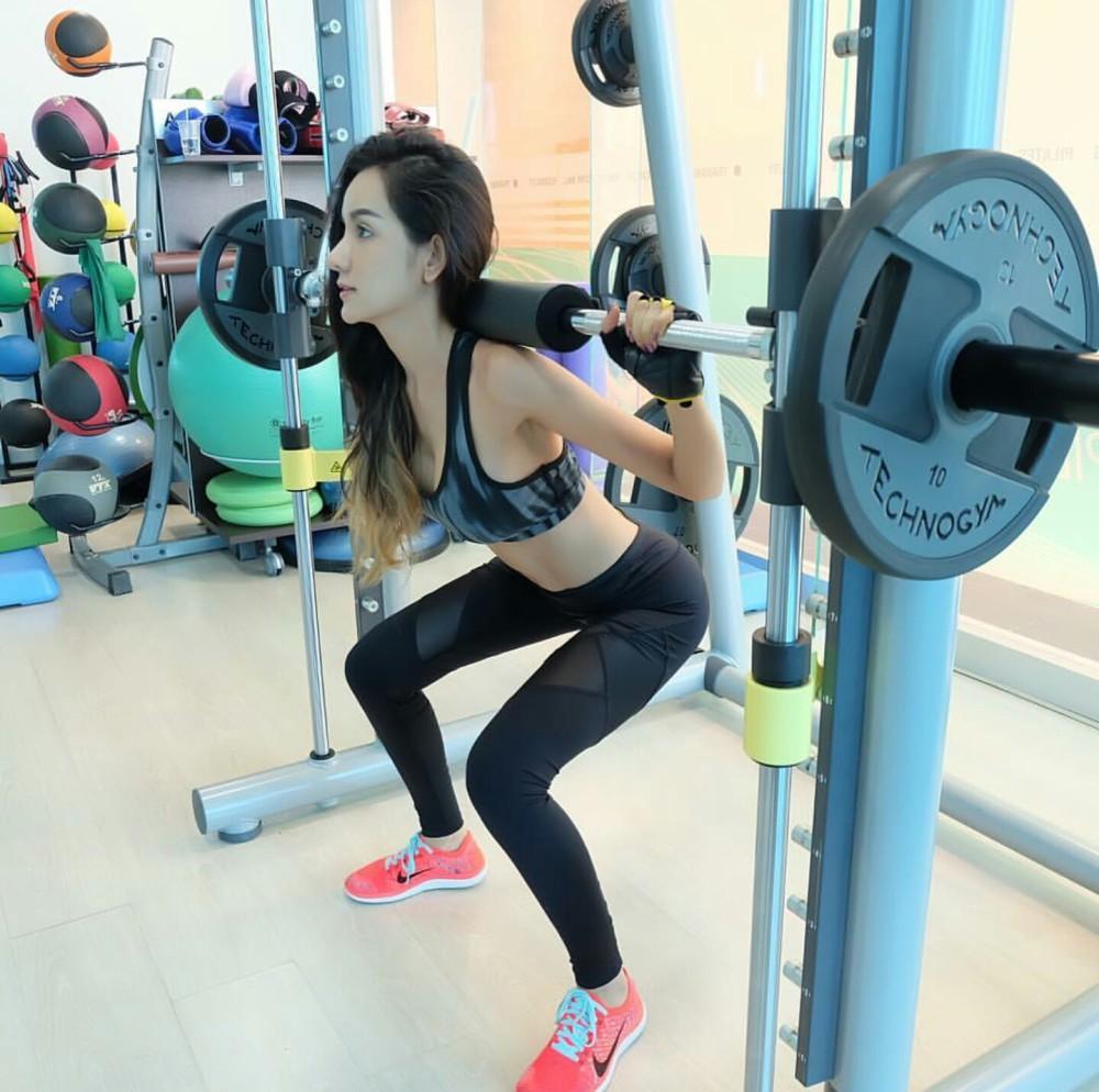 她是泰国版卡戴珊 身材颜值秒杀Angelababy - 翔宇天使 - 翔宇天使的博客